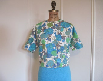 1950s Floral & Fauna Cropped COCKTAIL JACKET, vintage turquoise blue + avocado green Bold Flowers + Bright Butterflies, large to extra, l/xl