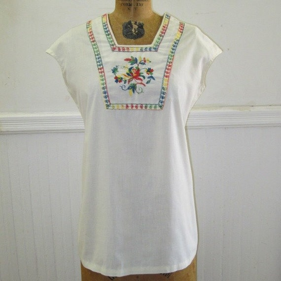 Vintage White Mexican Embroidered Tunic Top