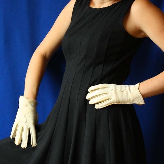 Vintage Evening Gloves in Light Tan