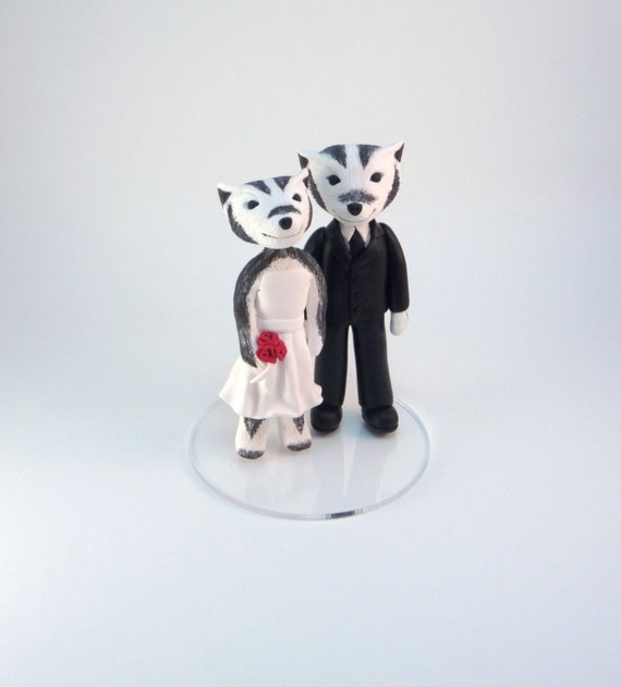 wedding cake topper mascots bear, bee, badger, gator, bruin, longhorn