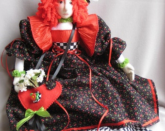 Lisette, a gift bag cloth doll PDF e pattern