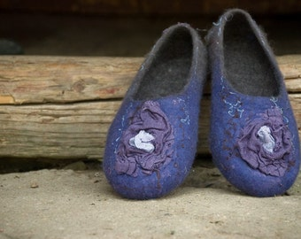 Women slippers Blue Brown shoes Wool house shoes Handmade Felted Slippers Traditional woolen valenki Flax flowers