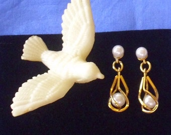 Vintage Caged Pearl Earrings
