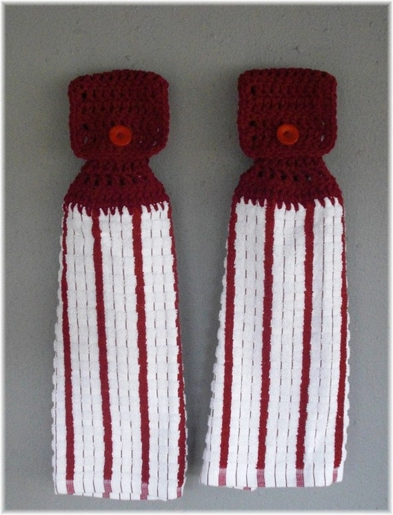 Hanging Kitchen Towels Maroon on White Matching Pair