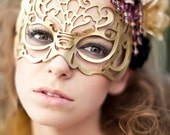 "Masquerade mask in gold leather ""Victoriana"""