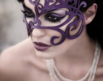Swirly Leather mask in purple