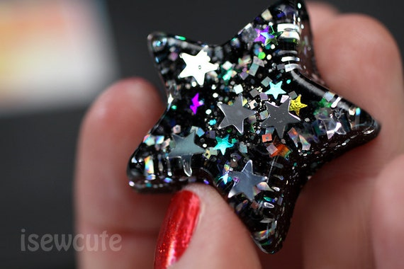 brilliant resin star ring full of stars & rainbows in silver and black handmade by isewcute
