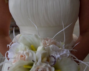 BLUSHING BRIDE Wedding Bouquet With Biot Feather Accents