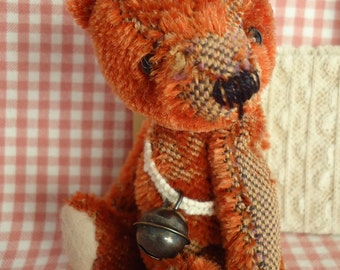 Crispin E pattern of a 4.75 inch old style bear