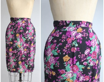90s vintage rayon pencil skirt | The Perfect Floral Print Skirt | XS - S