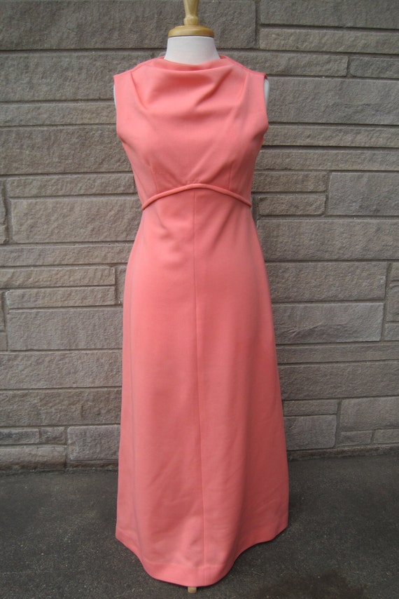 vintage 1960s peach Leslie Fay Knits dress. FREE U.S. SHIPPING