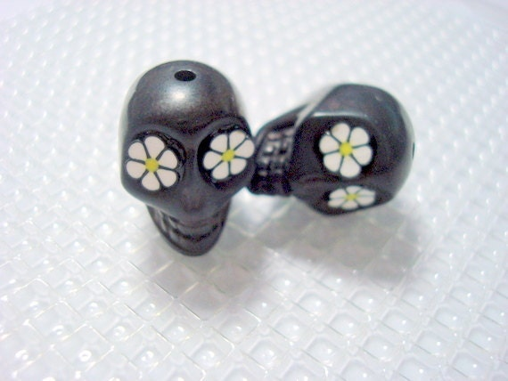 Black and White Daisy Flower Eyes Day of The Dead 18mm Sugar Skull Beads