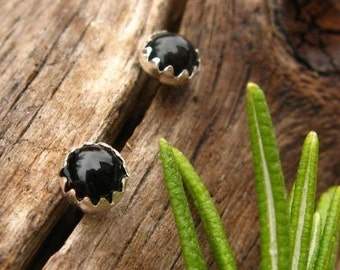 Black Onyx Stud Earrings, Cabochon Earrings in Silver, 4mm