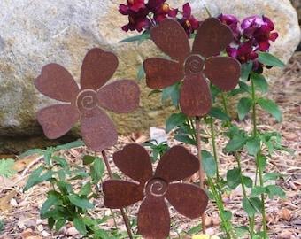 3 Rusty Metal Flowers Garden Art Yard Stake Set