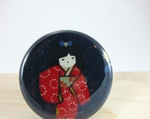 Pocket Mirror - Lipstick Mirror with Muslin Pouch - Girl in Kimono Japanese Fabric
