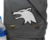 Arya Wolf Print Messenger Bag - Field Style