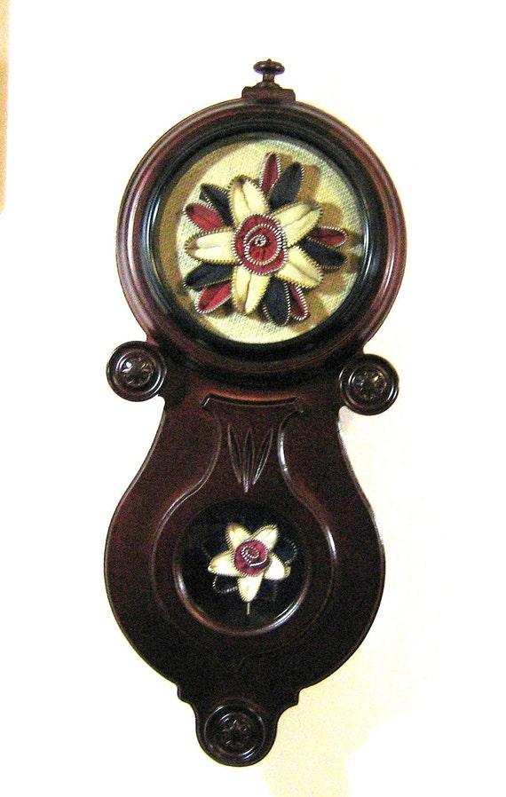 """Wall Art  Zipper Flower """"Clock"""" with Working Pendulum"""