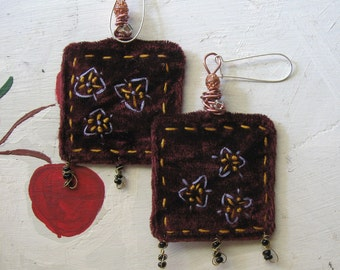 EMBROIDERED VELVET EARRINGS