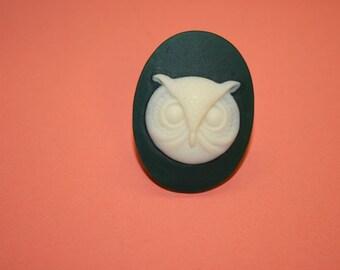 Large Dark Green Owl Cameo Ring