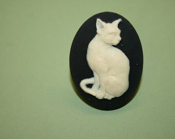Large Cat Cameo Ring