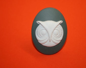 SALE Large Grey Owl Cameo Ring