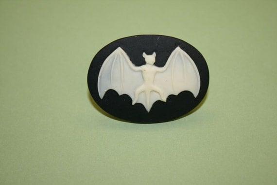 Large Black Bat Cameo Ring