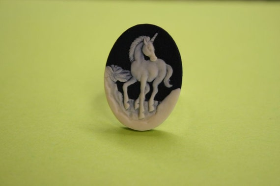 Medium Black Unicorn Ring