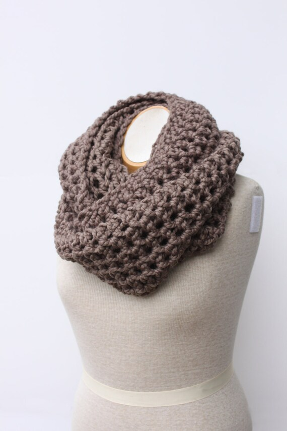 Chunky Scarf, Infinity Scarf, Taupe Scarf, Chunky Knit Snood, Taupe Neckwarmer, Circle Scarf