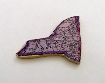 New York Brooch - Lapel Pin / Upcycled Antique 1915 Wood Puzzle Piece / Unique Wearable History Gift Idea / Timeless Gift Under 30