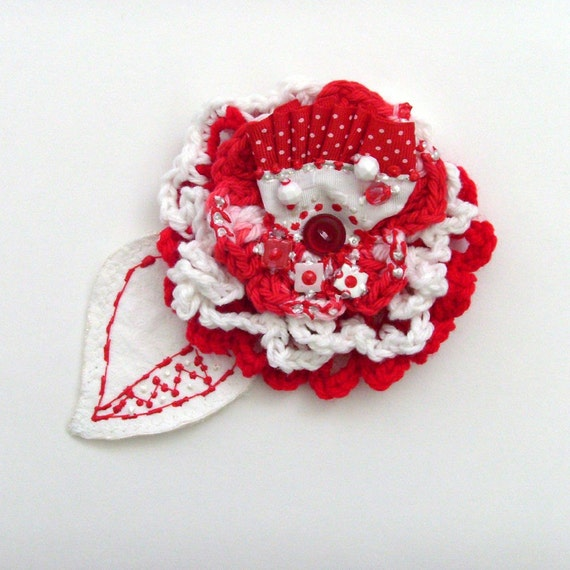 Red and White Flower Brooch - Lapel Pin / Red - White / Crochet Flower / Multiple Layered Textiles - Embellishments / OOAK / Gift Under 50