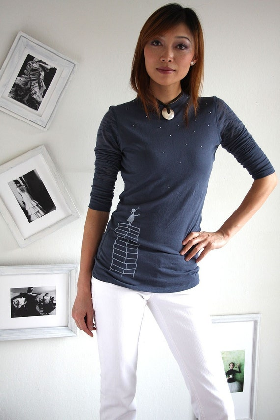 Handmade appliqué  cotton tshirt . Blue grey long sleeves T-shirt - A Little Girl's Wishes - size Large