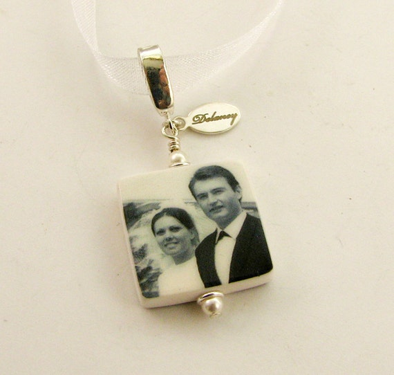 Bridal Bouquet Photo Charm - Small Personalized Memorial Photo Pendant - BC3