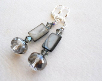 Silver Platinum Earrings, Silver Gray Earrings, MOP Earrings, Gray Swarovski Crystals, Fabulous Earrings, Exquisite Earrings, Super Gift