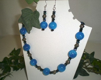 Blue Marbled Necklace with Aurora Borealis Discs & Antiqued Silver Ovals