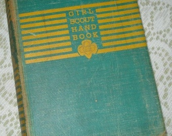 Vintage Girl Scout Hand Book, Scouting Reference Guide, Third Impression, 1942  (161-10)