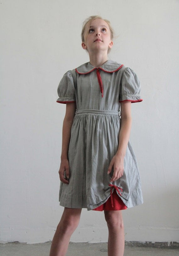 1950s Little Girl Dress . Plaid . Grey and White . Red Trim