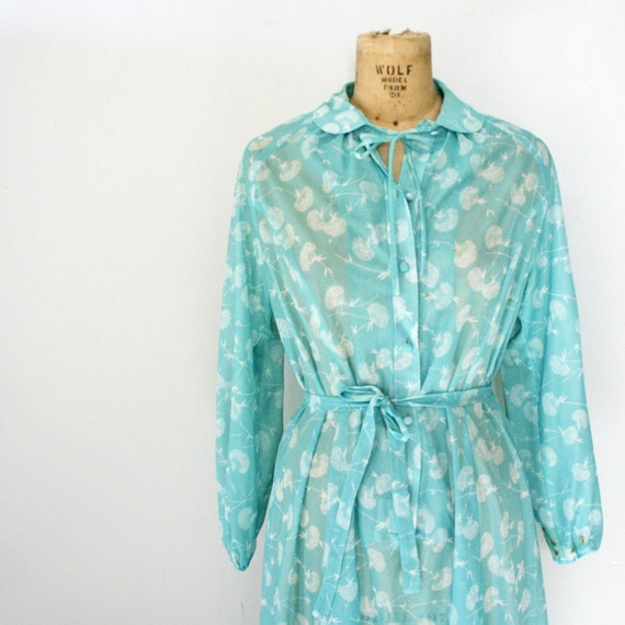 CLEARANCE vintage 70s Seafoam Green Queen Annes Lace Floral Print Sheer Polyester Day Dress
