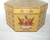 vintage hat box - knox new york - retro madmen fashion - hollywood regency hipster