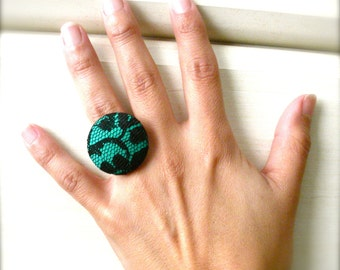 Emerald Green and Black Lace Fabric Button Ring, Jewelry, Ring, New Years