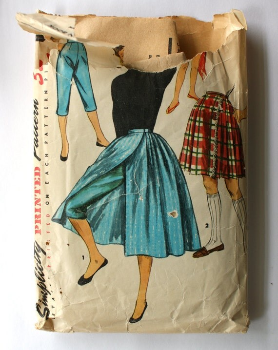 Simplicity 1231 Misses 1950s Wrap Skirt and Slim Pants Pedal Pushers Capris Waist 28 Vintage Sewing Pattern