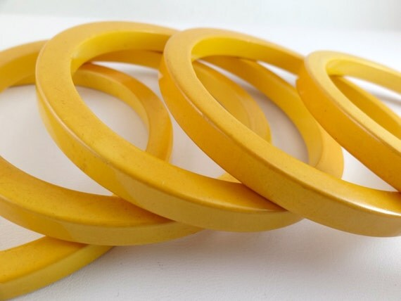 Reserved for Angela - Vintage Bakelite Bangle, mustard yellow, tested