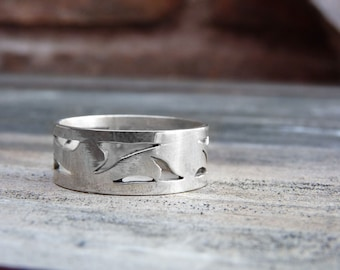 Leaf ring in Sterling silver, made to order in your size, nature inspiration, leaves ring, romantic ring, natural, floral