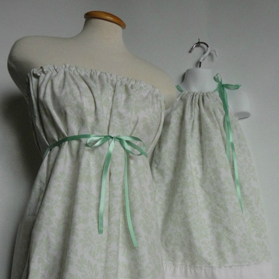 Reserved for Kasey. Paisley Dresses. Mother Daughter Matching. Summer Dresses.Eyelet Trim. Mothers Day.
