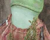 Primitive Edna the Country Frog  Doll - Primitive Small, Green Frog - Hafair Group