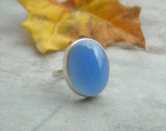 Blue chalcedony ring - Oval ring - Gemstone ring - Blue ring - Bold ring - Bezel ring - Cabochon ring - Gift for her
