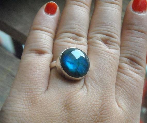 Natural labradorite ring - Nebula ring - Bezel ring - Round ring - Blue ring - Gemstone ring - Gift for her