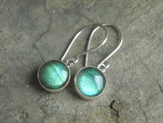 Silver Labradorite earrings - Dangle earrings - Bezel set earrings - Cabochon earring - Gemstone earrings - Jewelry gift ideas