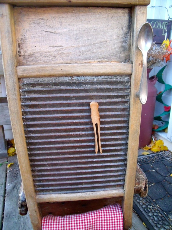 WASHBOARD CABINET-UPcycled Washboard To a WaLL CaBiNeT w/ spOOn hanDLe-GreaT Patina-makes Great Medicine/Spice cabinet+old clothespin magnet