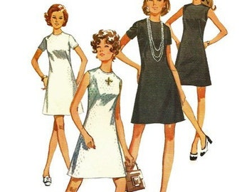 1970s Simplicity 8682 Misses Jiffy  Little Black  Dress Pattern  Womens Vintage Sewing Pattern Size 18 Bust 40