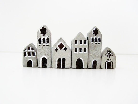 SALE Tiny Town Miniature House Terrarium Decorations Set of 5